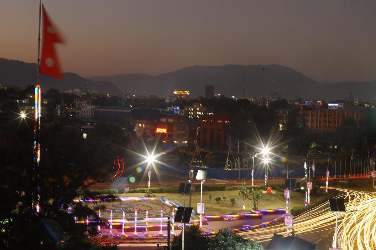 """झिलिमिली काठमाडौं  : """"यस्ताे देखीयाे  दीपावलीमा  झिलिमिली... ! """"(फाेटाे फिचर)"""