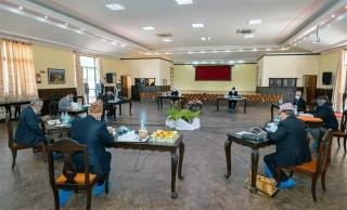 """प्रधानमन्त्री ओली अनुपस्थित : """"सचिवालय बैठक २० र स्थायी समिति २१ मा सर्यो """""""