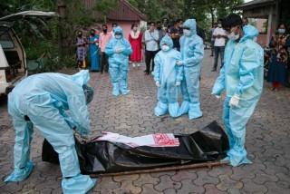 भारत  :  'गत २४ घण्टामा कोरोना सङ्क्रमणको कारण १६३ को मृत्यु'