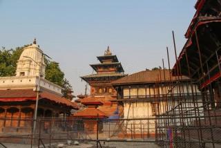काठमाडौँ दरबार क्षेत्र :  'काठ सहज भएपछि निर्माण कार्य अघि बढ्यो'