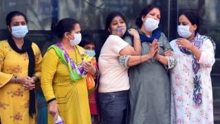 भारतमा कोरोना  : 'एकैदिन करिब तीन लाख सङ्क्रमित, दुई हजारभन्दा बढीको मृत्यु'