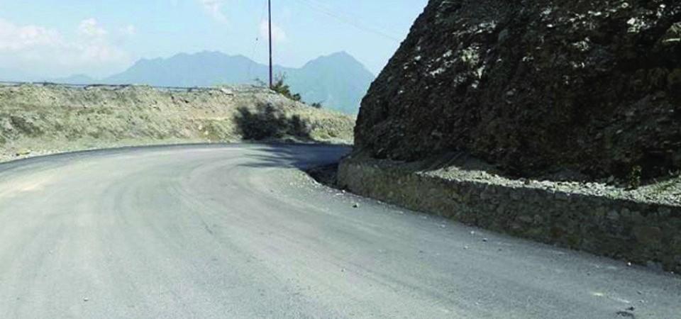 भीमफेदी–कुलेखानी–सिस्नेरी सडक  :   'आज बिहानैदेखि यातायात बन्द'