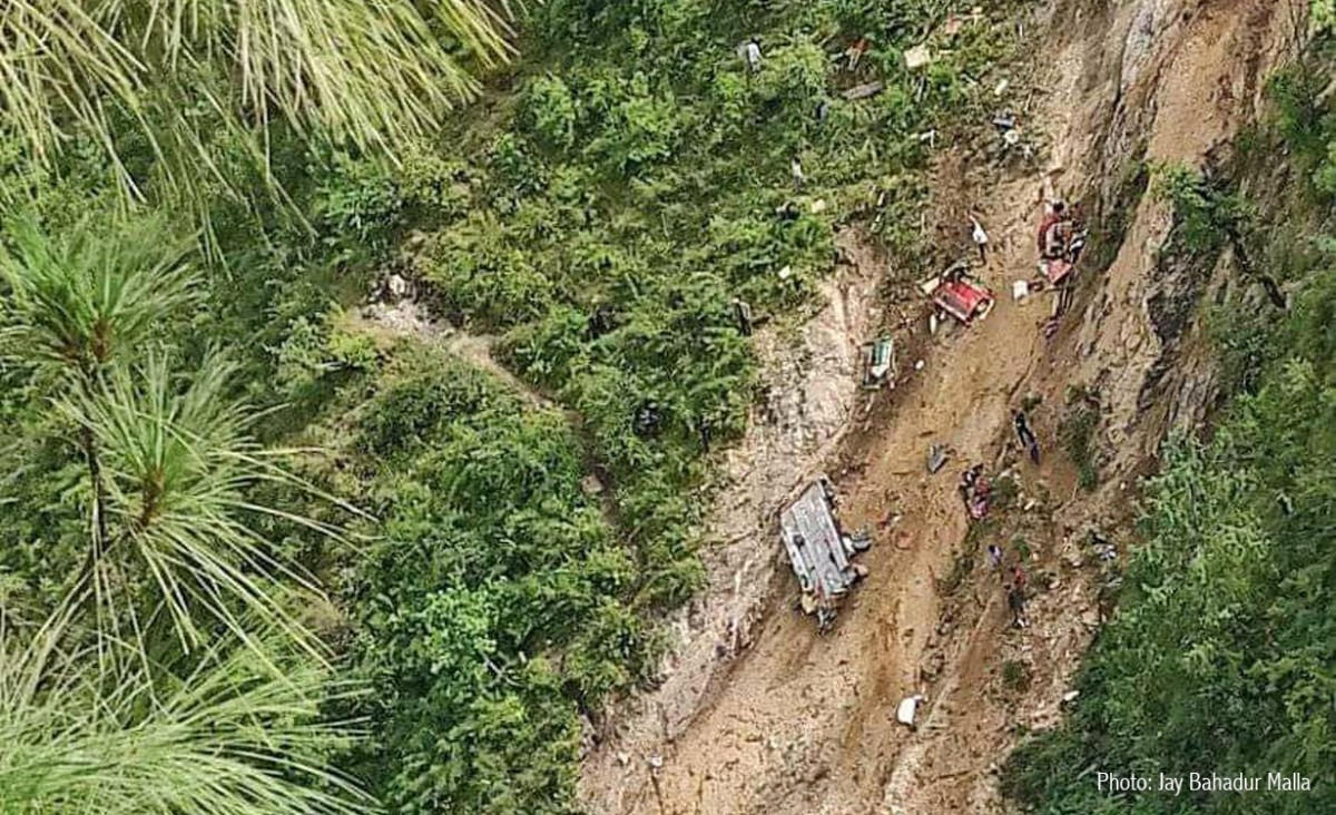 मुगु बस दुर्घटना : ' मृत्यु हुनेको संख्या ३२ पुग्यो'  (अपडेट)